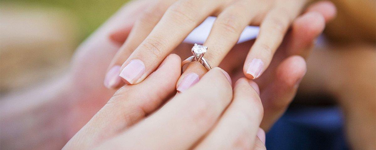 engagement ring yalenda